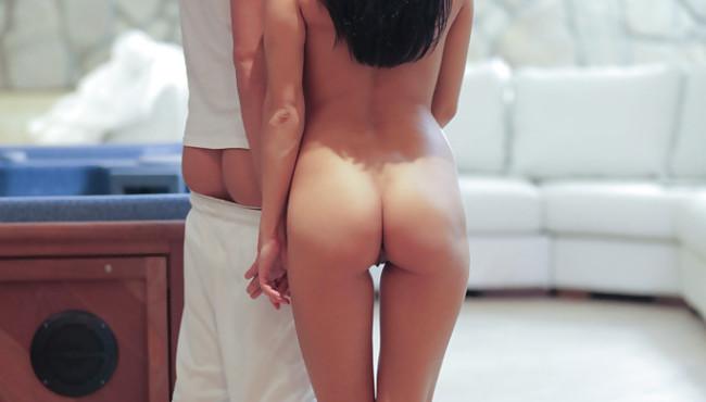 Morena magrinha levando surra de pica na buceta num sexo delicioso