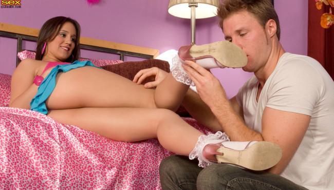 Fotos de sexo com a prima ninfeta gostosa que deu a bucetinha