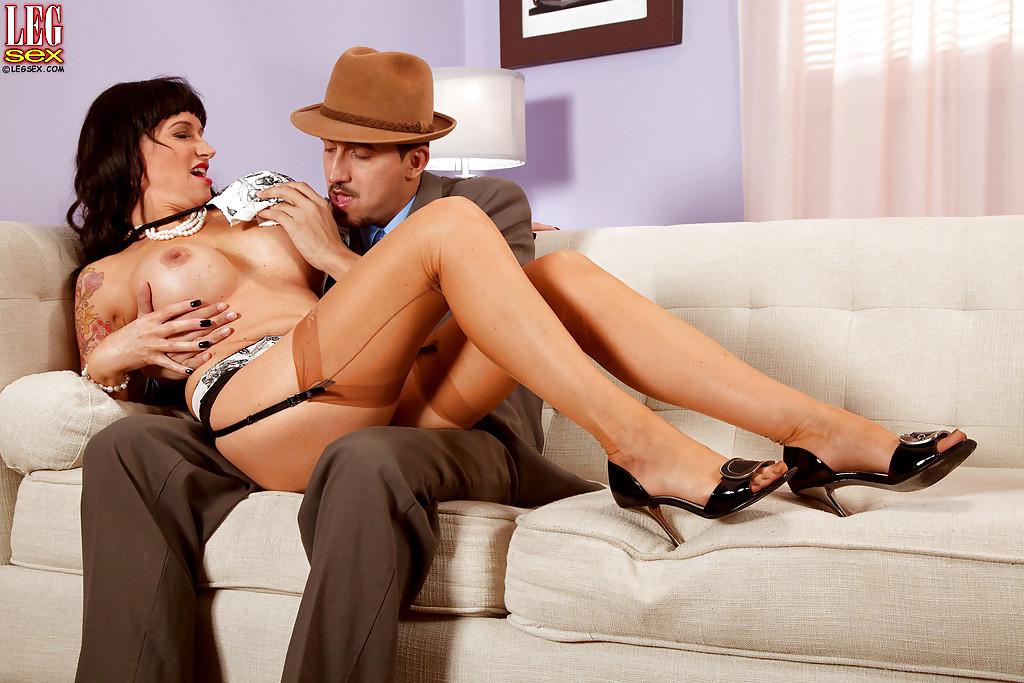 Fotos de sexo com morena gostosa fodendo com rico taradão