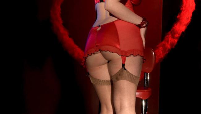Fotos de sexo com stripper ruiva tirando toda a roupa
