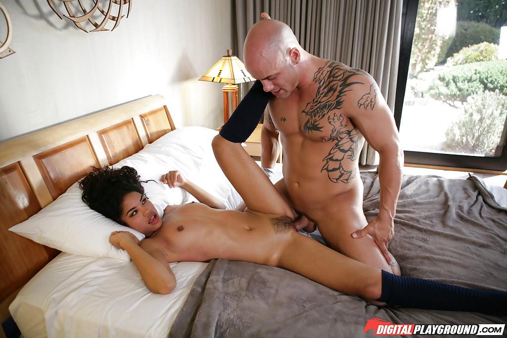 Fotos de sexo com latina gostosa metendo com careca bem dotado