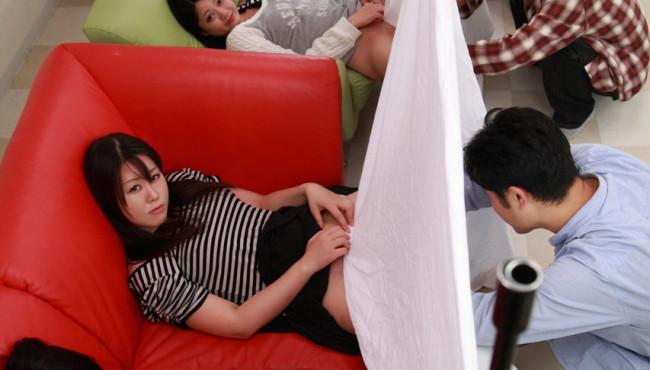 Asiáticas gostosas sendo masturbadas pelos amigos muito taradões