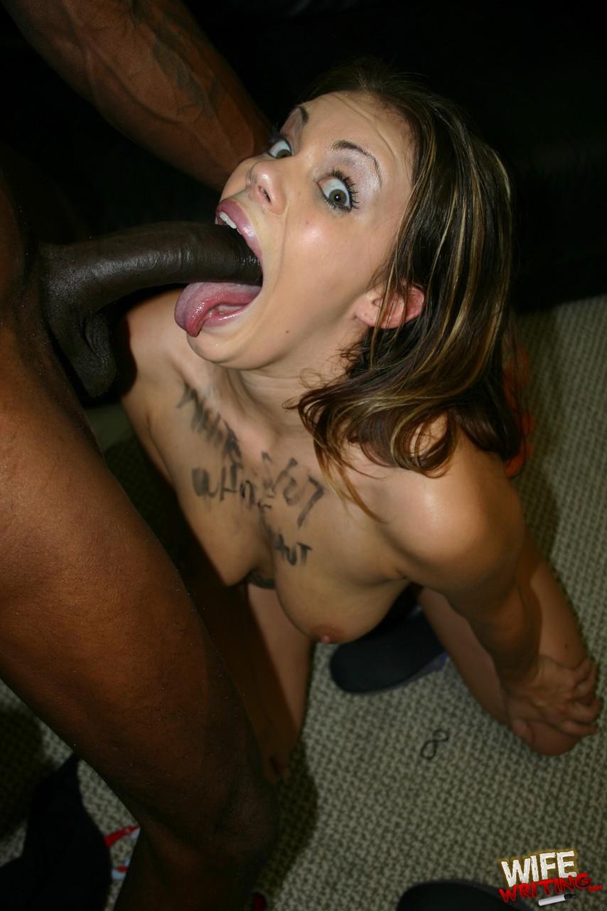 Sexo interracial com negão e gostosa safada levando pica na buceta